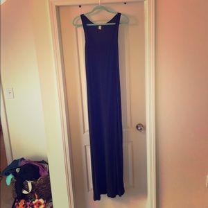 Solid black scoop neck maxi dress